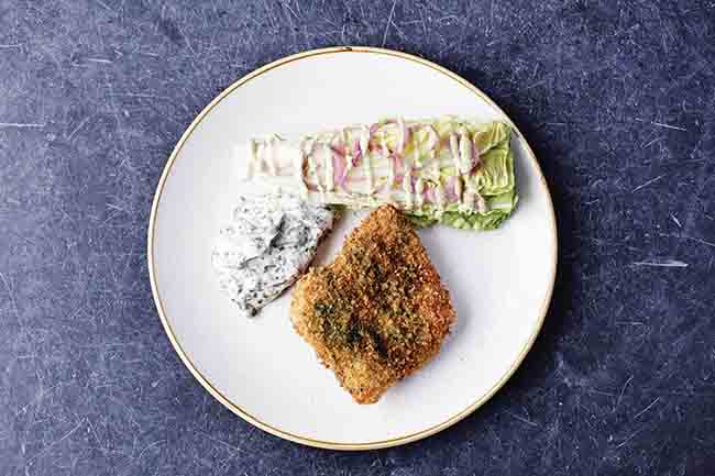 Breaded hake with tartare sauce