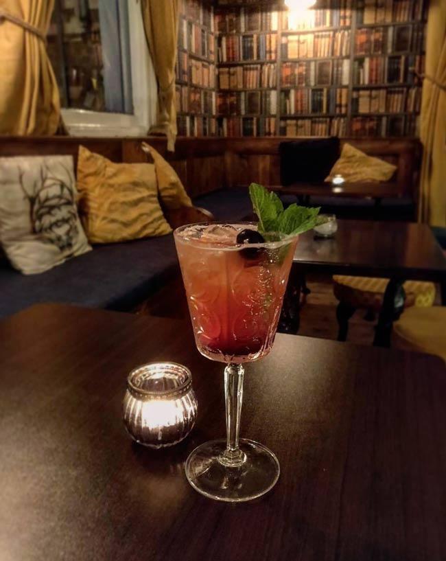 Singapore Sling cocktail