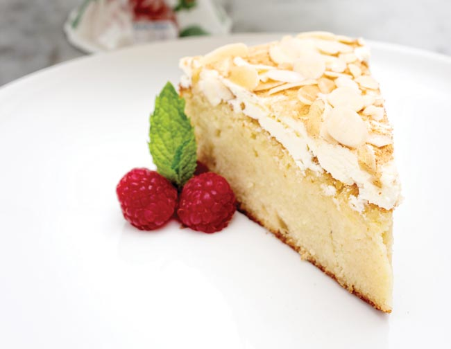 Apple and almond cake recipe image