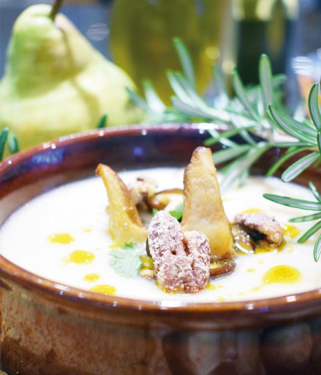 Celeriac and pear soup